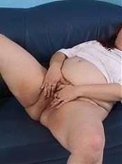Chubby mature slut sucking and playing
