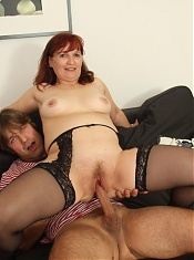 Mature mother in law lets his cock invade her mouth and her wicked old pussy