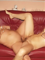 Chubby older women Steph and Julianna realizing their lesbian fantasies on the couch